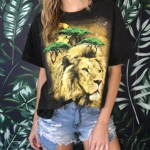 Vintage Lion Face Moon Tee Graphic T-shirt Delta L